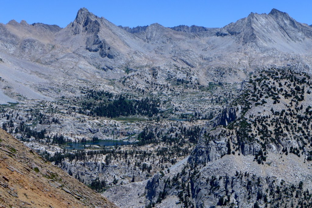 high-sierra-loop-roadsend-muirtrail-033.jpg