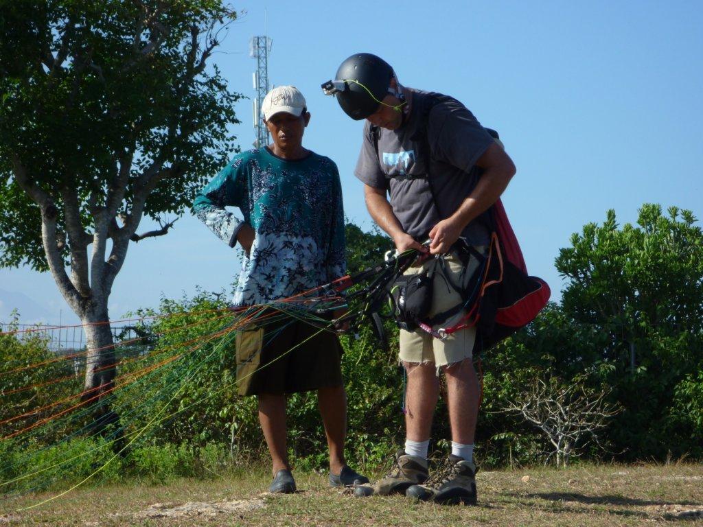 indonesia-paragliding-015.jpg
