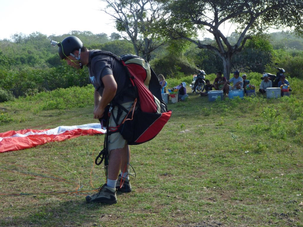 indonesia-paragliding-014.jpg