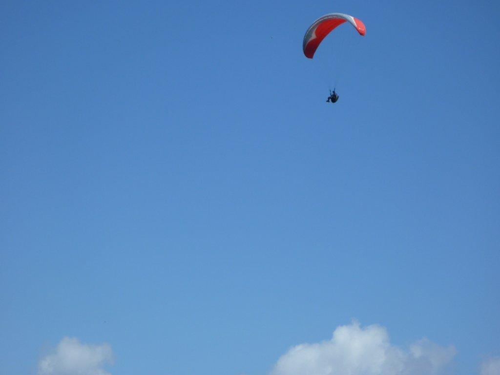 indonesia-paragliding-001.jpg