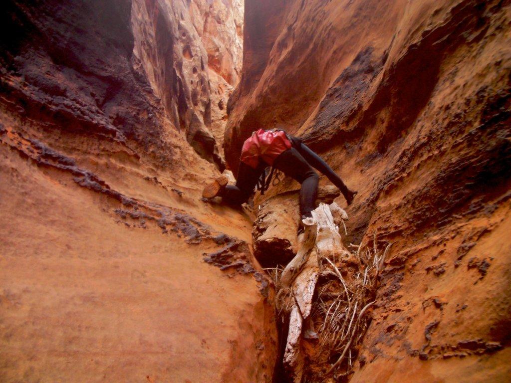 escalante-canyoneering-2009-077.jpg
