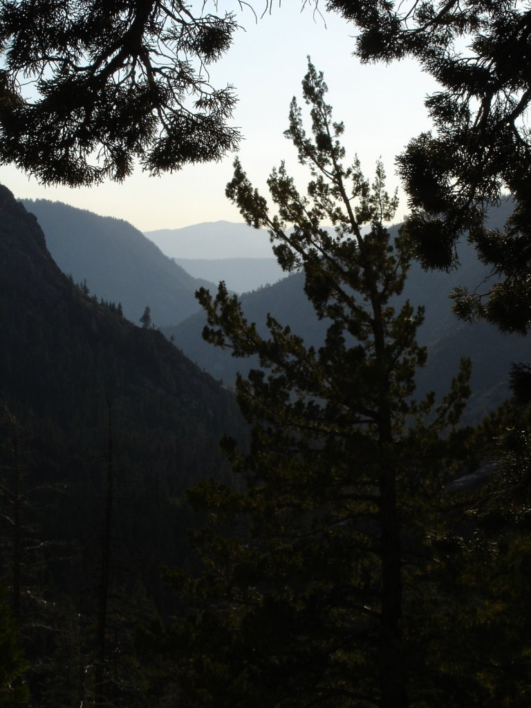 pct2005-reds-meadow-to-independence-011.jpg