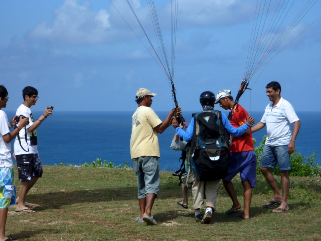 indonesia-paragliding-009.jpg