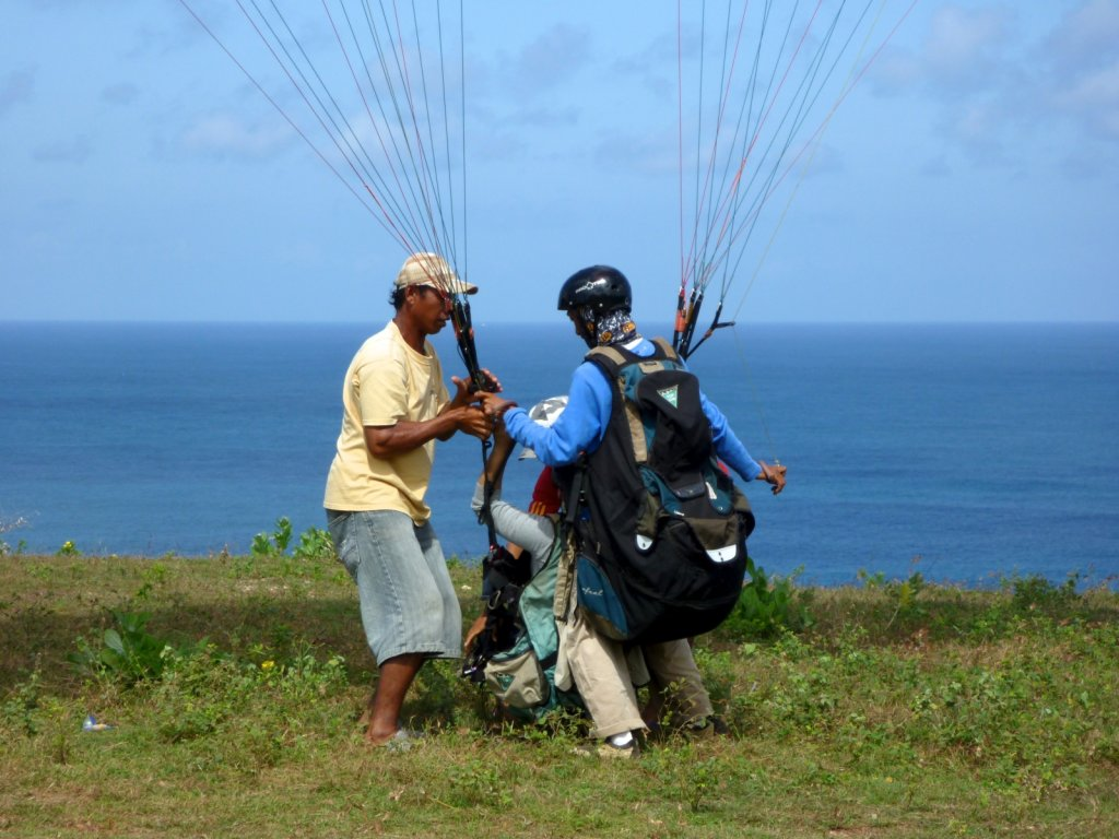 indonesia-paragliding-008.jpg