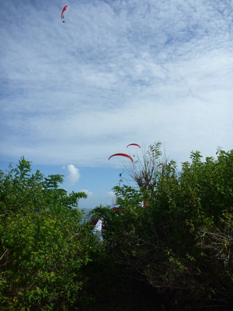 indonesia-paragliding-003.jpg