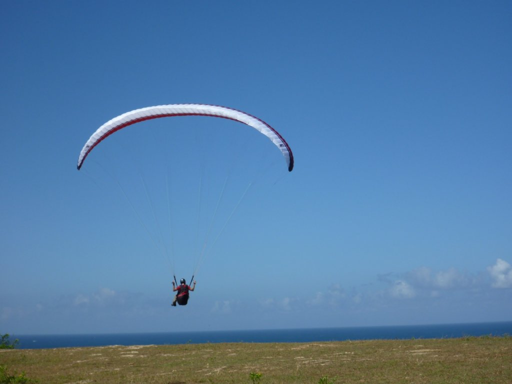 indonesia-paragliding-002.jpg