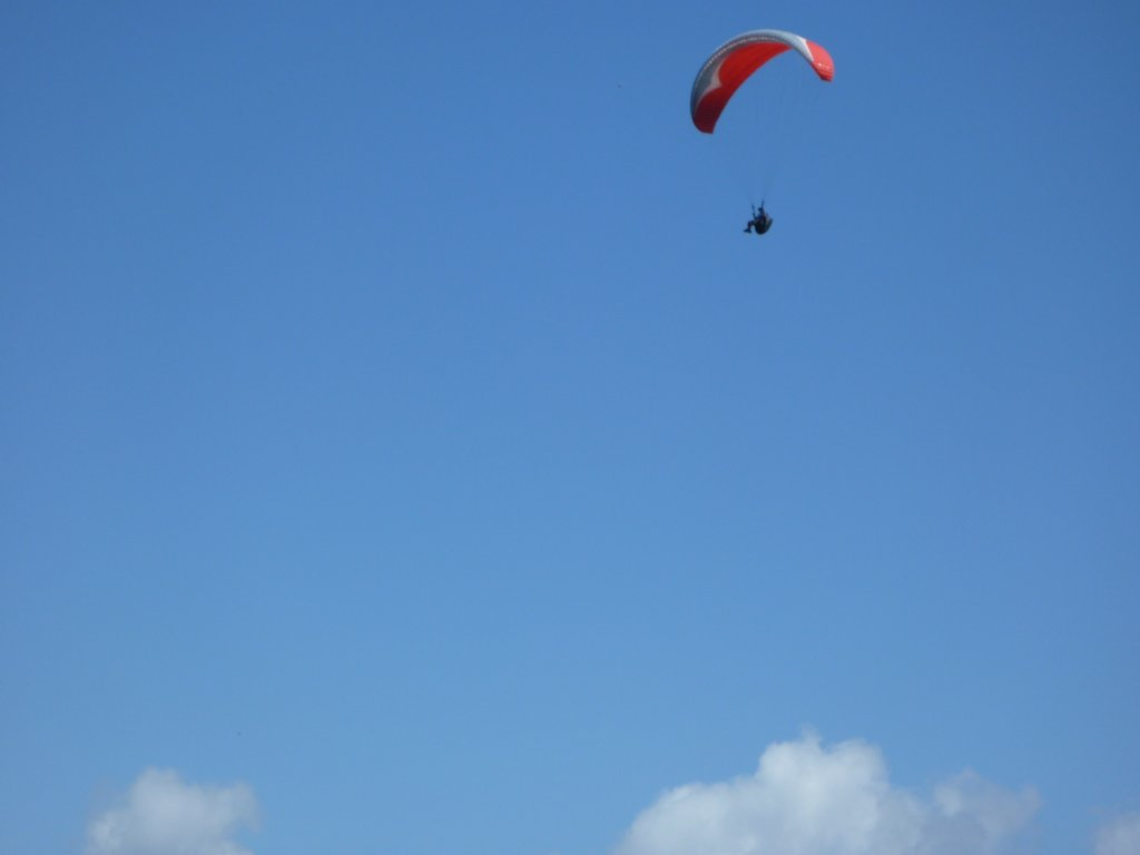 indonesia-paragliding-001.jpg